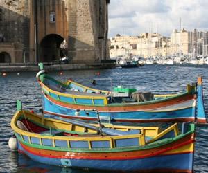 Malta luzzus - tradicionālās Maltas laiviņas